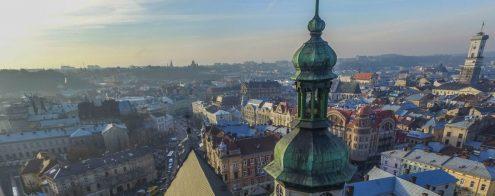 Какое место Украины посетить, находясь в Киеве?
